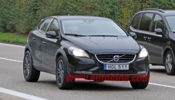 Оголошена дата появи нового кросовера Volvo