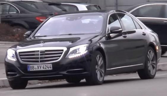 Mercedes-Benz вывел на тесты свой флагманский седан