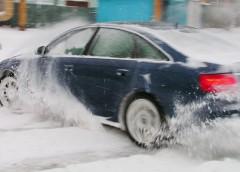 Як взимку уникнути заносу на дорозі (інфографіка)