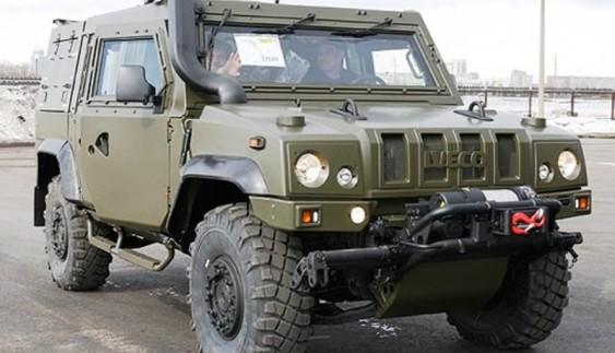 Рoсiйський ВПК в обхід caнкцiй веде масову збірку бронеавтомобілів IVECO LMV