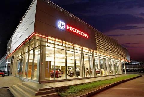 Бізнес під час окупації: які автомобілі продають на Донбасі (фото)
