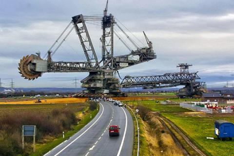 Найбільша машина в світі (відео)