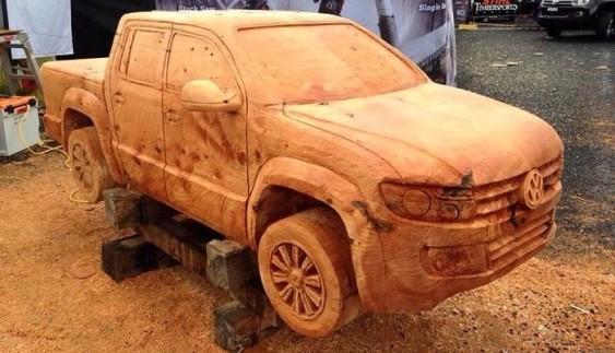 Вражаюче: Volkswagen вирізали з дерева