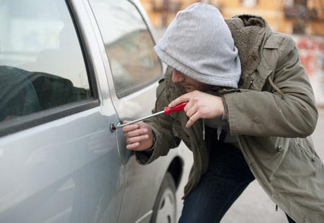 Чим водії провокують автокрадіїв