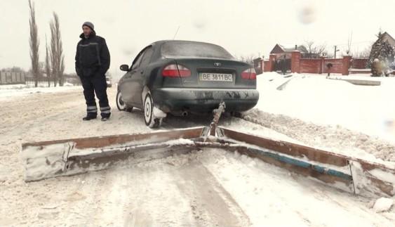 Як із Daewoo Lanos зробити снігоприбиральну машину (ФОТО)