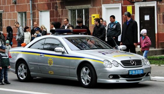 Mercedes CL Brabus: розкішне патрульне авто поліції України (ФОТО)