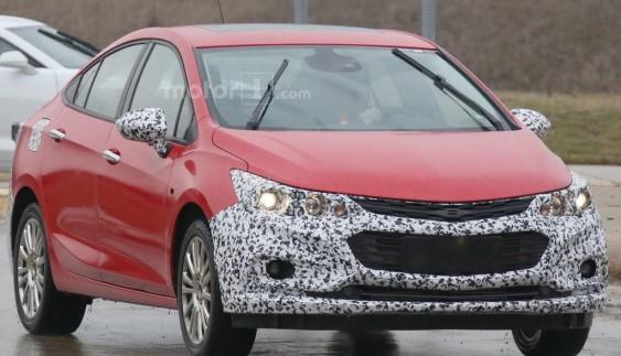 Chevrolet тестує гібридну версію нового Cruze
