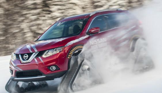 Nissan X-Trail перейшов на гусениці (відео)