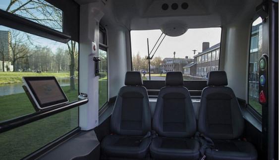 Автобуси-роботи з'явилися на вулицях