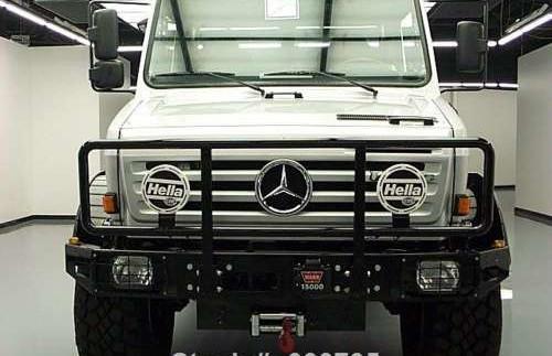 Вантажний Mercedes Шварцнегера продадуть на аукціоні