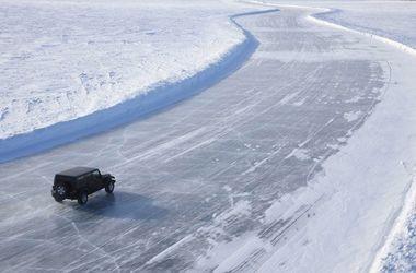 Вчені створили асфальт, захищений від утворень льоду