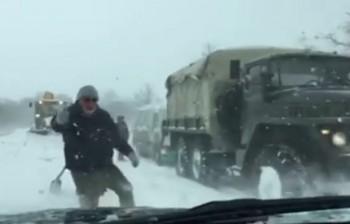 З'явилося відео засніженої дороги Одеса-Миколаїв