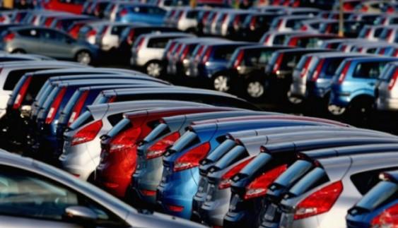 Українці перестали купувати нові автомобілі
