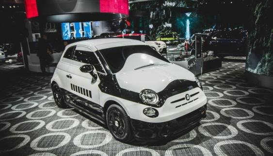 """Італійський штурмовик: з Fiat 500e зробили злого героя """"Зоряних воєн"""""""
