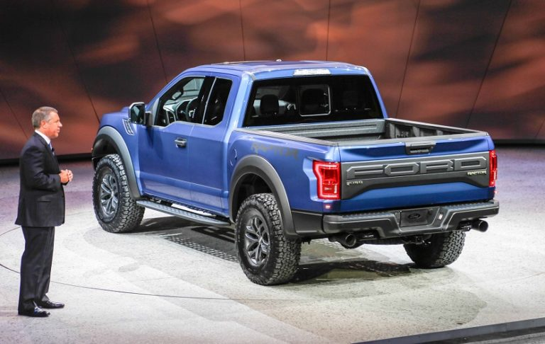 Ford-F-150-Raptor-SuperCrew-3