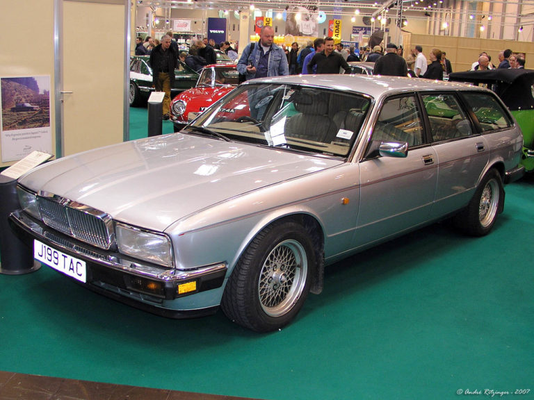 Jaguar-XJ40-wagon-prototype-1992-f3q