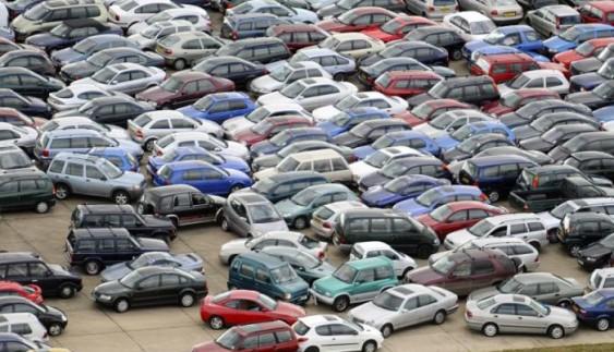 Як уберегти автомобіль від пошкоджень на парковці