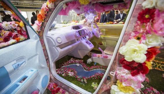 Шокуюча Азія: найбільш вражаючі машини на тюнінг-шоу в Токіо