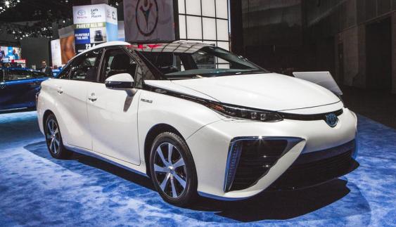 Нову Toyota Mirai показали у Детройті