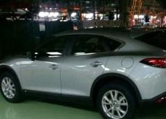 Помітили новий кросовер Mazda CX-4 без камуфляжу (фото)