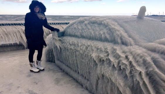 У США автомобілі перетворилися на крижані скульптури