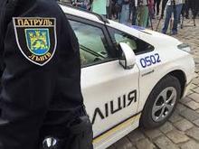 """Поліцейський-порушник ПДР """"засвітився"""" на відео і поплатився"""