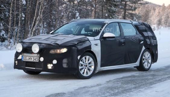 Нова Kia Optima Sportswagon проводить зимові випробування (ФОТО)