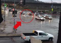 Що буде з авто, якщо їздити затопленими вулицями під час повені (відео)