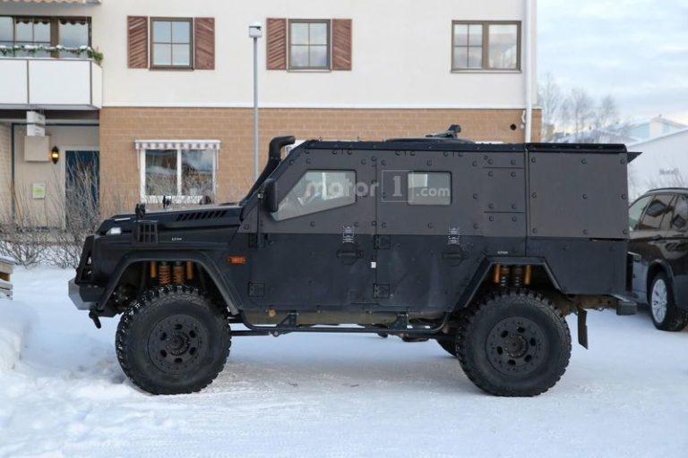 mercedes-g-class-light-armoured-patrol-vehicle-spy-photo-12