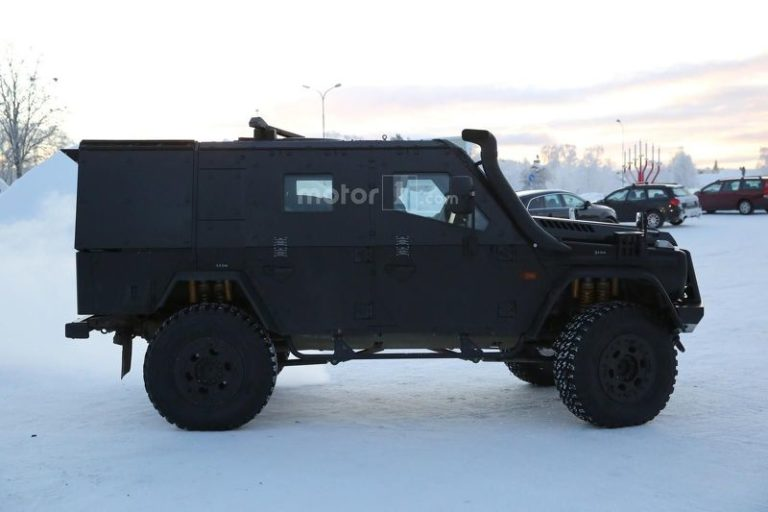 mercedes-g-class-light-armoured-patrol-vehicle-spy-photo-13
