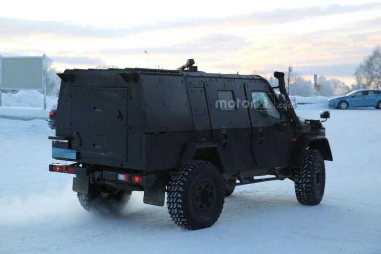 mercedes-g-class-light-armoured-patrol-vehicle-spy-photo-14