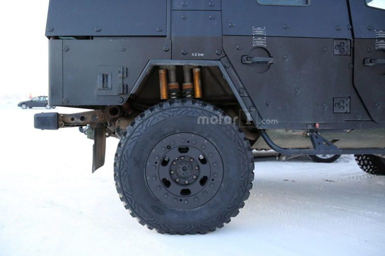 mercedes-g-class-light-armoured-patrol-vehicle-spy-photo-4
