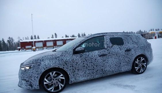 Фотошпигуни зловили Renault Megane універсал (фото)