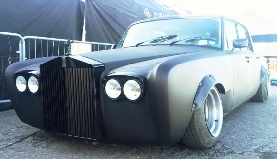 Верх збочення: раритетний Rolls-Royce переробили в дрифт-кар!