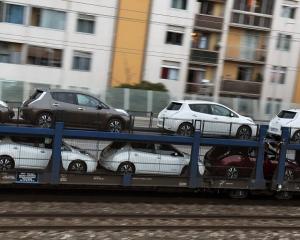 Як українці завозять дешеві авто за $300