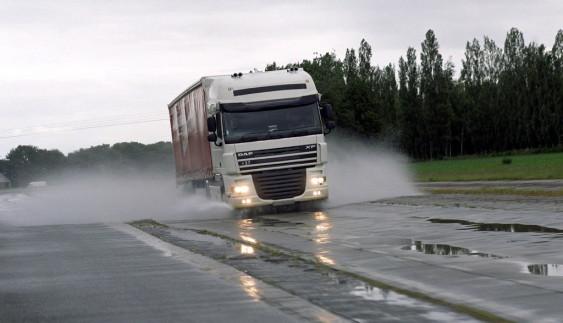 Українці раптово кинулися купувати вантажівки