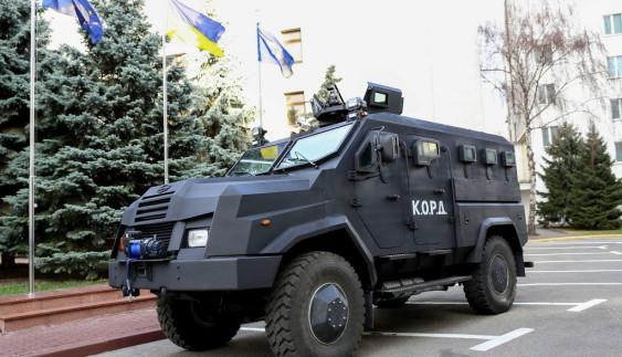 """Новий український бронеавтомобіль """"Варта"""" надійшов на службу спецназу"""