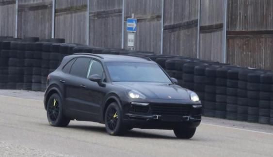 Новий Porsche Cayenne вперше помічений на тестах