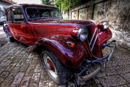 Унікальні ретро-автомобілі, виставлені на продаж (фото)