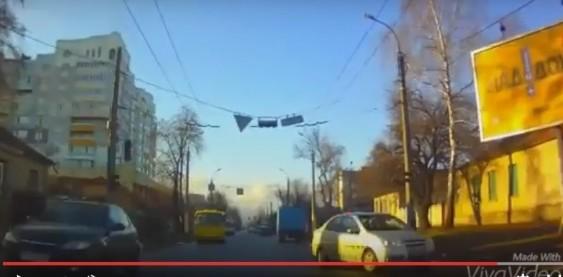 """На дорогах України їздять водії """"від Бога"""" (ВІДЕО)"""
