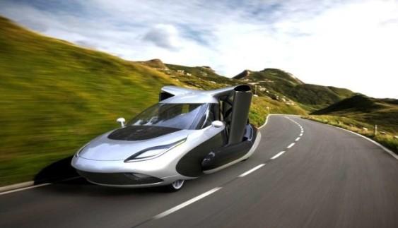 Перший літаючий автомобіль з'явиться у 2018 році