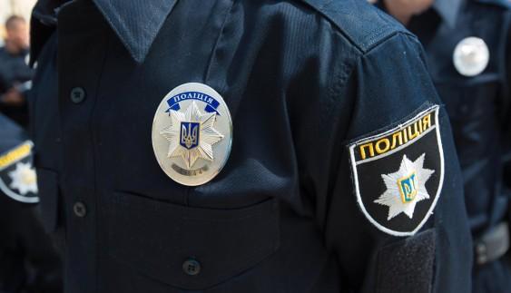 Автомобіль Mercedes став жертвою маневру поліцейських на Toyota Prius