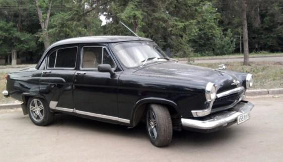 Радянське авто з автоматичною трансмісією і кермом праворуч