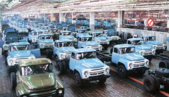 Автомобілі ЗіЛ більше не зійдуть з московського конвеєра