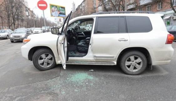 У соцмережі розкритикували, як припаркував авто народний артист України