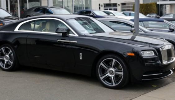 Патрульні поліцейські оштрафували розкішний Rolls-Royce: з'явилося фото