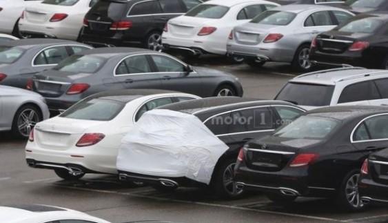 Mercedes E Class Estate потрапив в об'єктив шпигунів