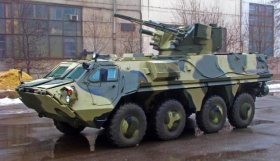 """Український БТР-4 """"Буцефал"""" пройшов випробування водою (відео)"""