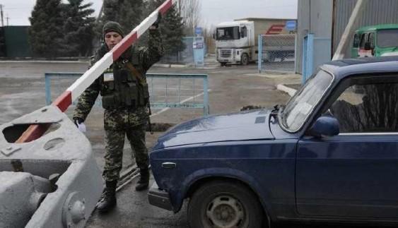 Неприємні новини для кримських водіїв з російською реєстрацією