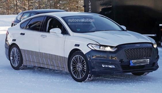 Cедан Ford Mondeo 2017 вивели на тестування